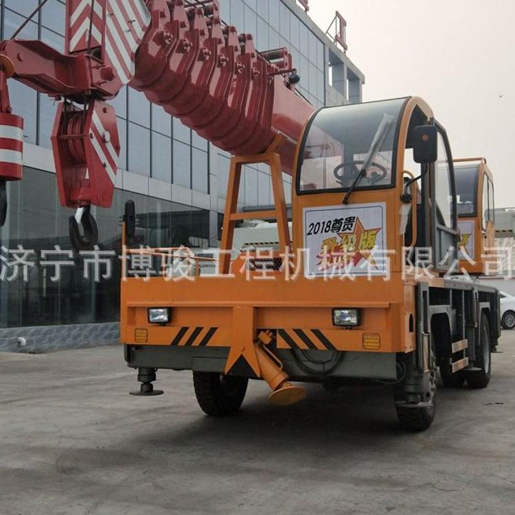 源頭廠家專賣 小型國五底盤吊車 16噸吊車5節臂 凱馬底盤吊車