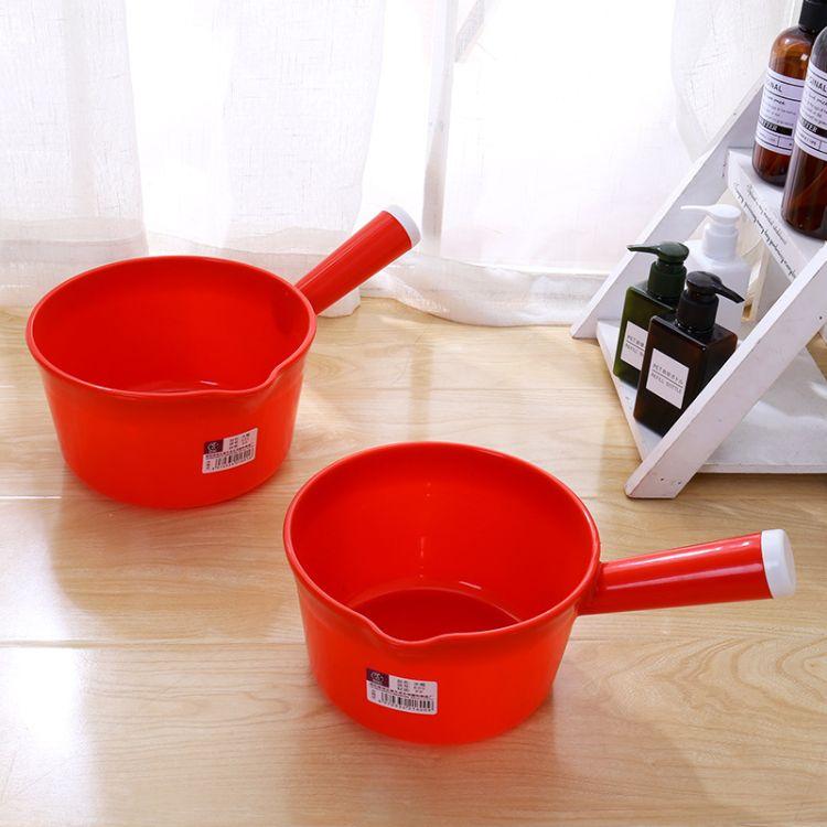 家用厨房无味塑料带嘴水瓢长柄水勺加厚耐摔抗裂浴室儿童洗澡水舀