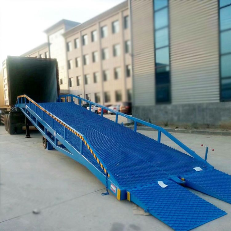 供应移动式登车桥集装箱叉车卸货平台液压手摇式升降装卸货平台