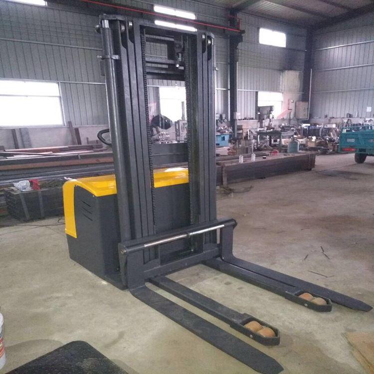 厂家供应 全电动托盘站驾式堆高车 1吨5米 全电动堆高车