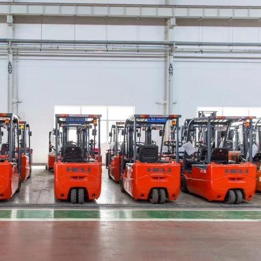 仓储丰田1.5吨前移式电动叉车 货架堆高5米二手电瓶叉车保质