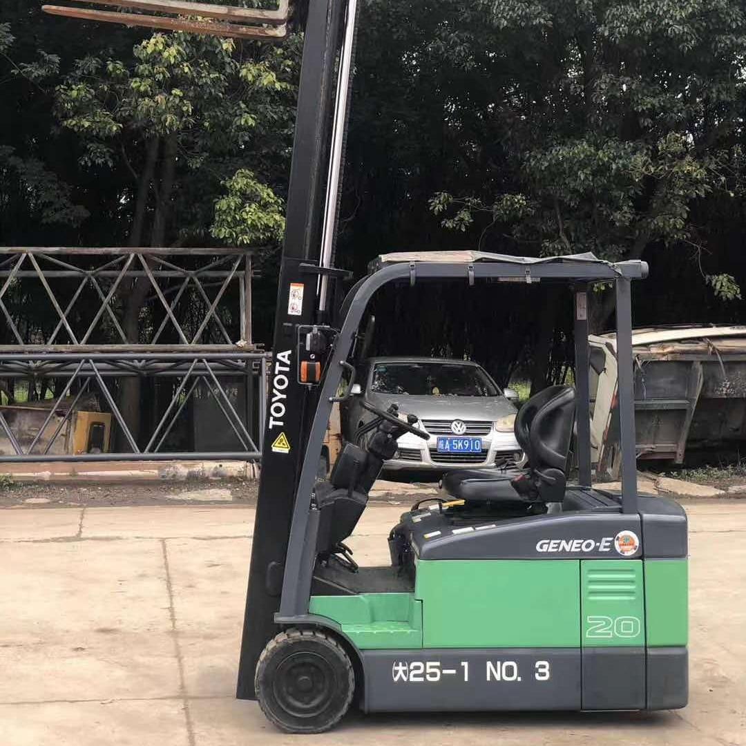 ?四轮电动叉车环保专用 丰田2吨三支点二手电瓶叉车出售