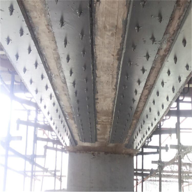 橋梁粘貼鋼板加固 沈陽公路橋梁粘鋼加固 橋梁粘鋼加固補強 中誠巨工