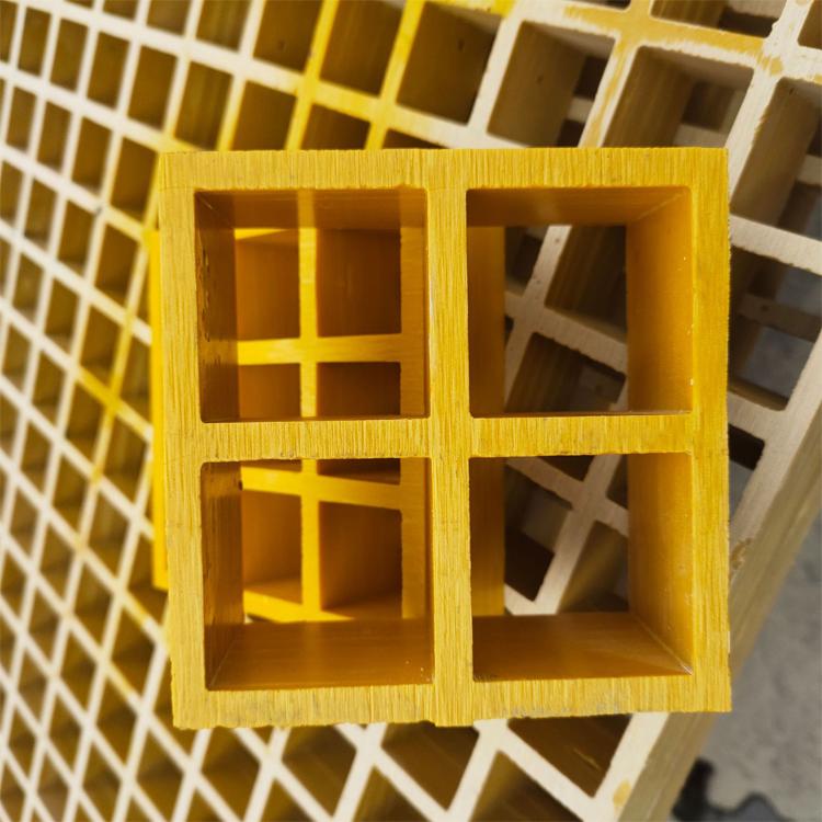 湖北共業 污水廠腳踏板廠家 長春玻璃鋼網格格柵板