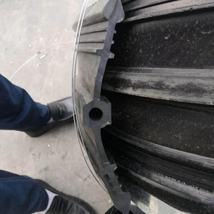 瑋倫 設計生產各種橡膠止水帶 中埋式止水帶 651型 350*8橋梁 水利 隧道都能用