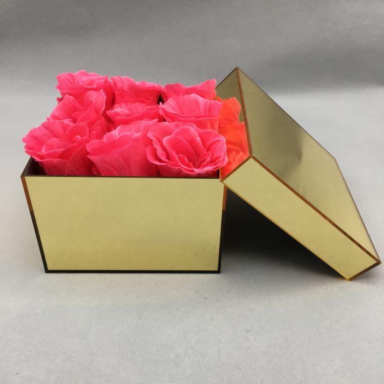 厂家订做镜面亚克力板制品 金色镜面亚克力制品 镜面有机玻璃制品