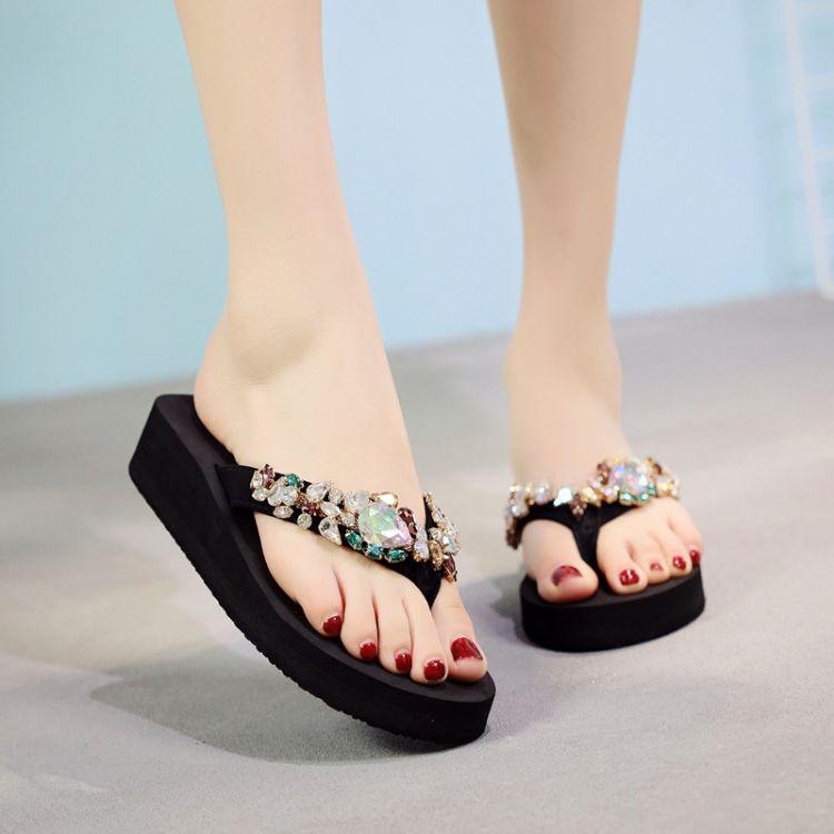 水钻拖鞋女夏时尚外穿海边夹拖可爱凉拖鞋韩版防滑厚底中跟人字拖