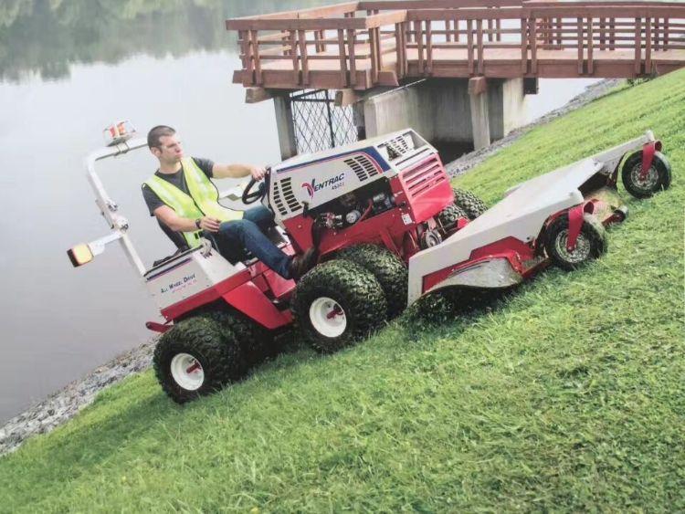 大型剪草车 剪草机 割草车 除杂草车 多功能剪草机 斜坡割草机
