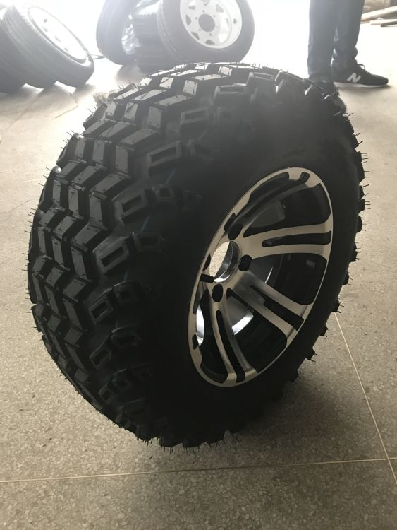 22*11-12 打猎车轮胎及钢圈