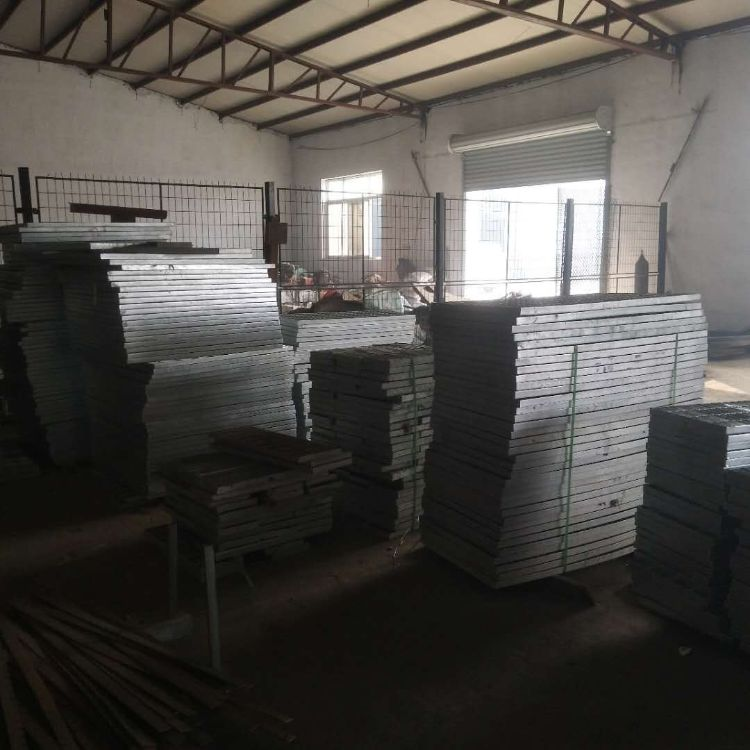 厂家直销镀锌钢格板 沟盖板 踏步板 平台钢格板 污水处理厂钢格板