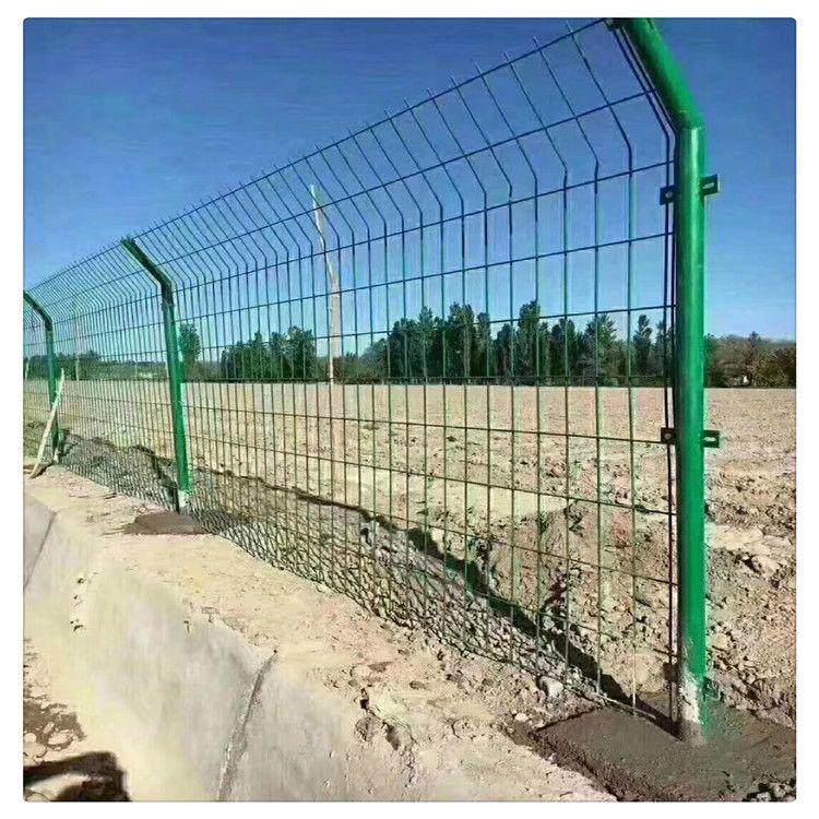 【诚信商铺】双边丝护栏网 公路护栏网 铁路护栏网