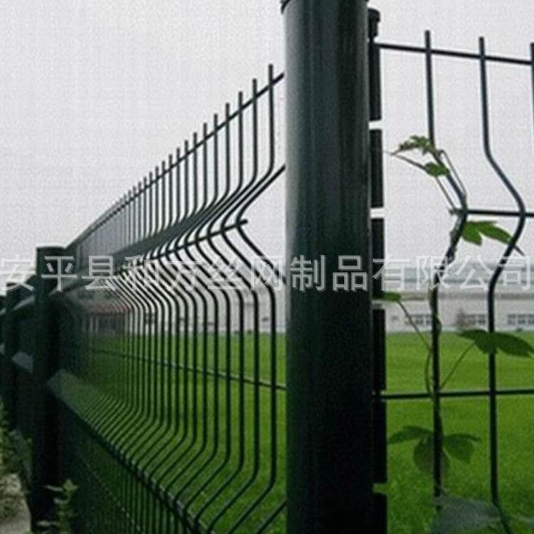 安平厂家桃型柱折弯护栏网 小区市政桃型柱护栏 优质桃型柱护栏网