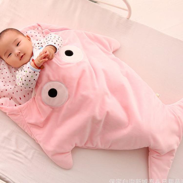 婴幼儿睡袋鲨鱼睡袋卡通防踢被秋冬宝宝外出纯棉抱被创意礼品定制