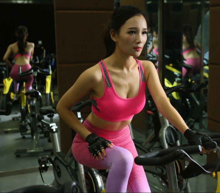爆款瑜伽健身文胸防震运动内衣 拼色无钢圈女跑步健身速干文胸