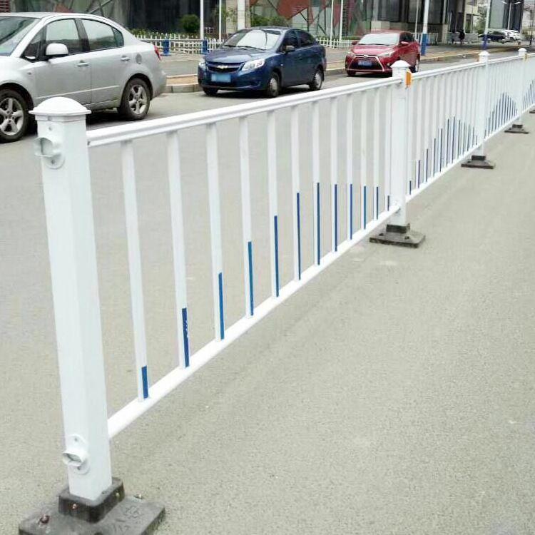 恩盛供应 公路防护铁丝网 隔离护栏网 公路护栏网 公路铁丝网