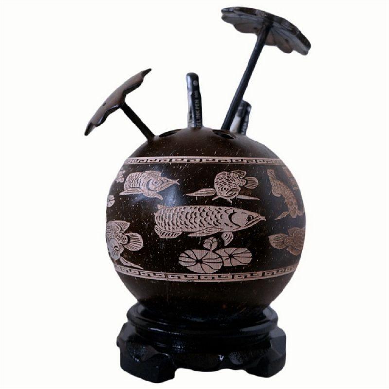 海南特产椰雕画椰树笔筒装饰工艺品 生节日礼物厂家批礼品装饰画
