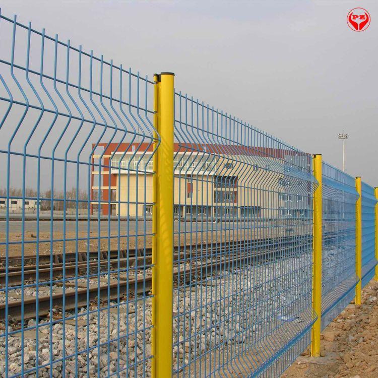 安平县平争生产销售小区围栏网 三角折弯护栏 桃型柱护栏