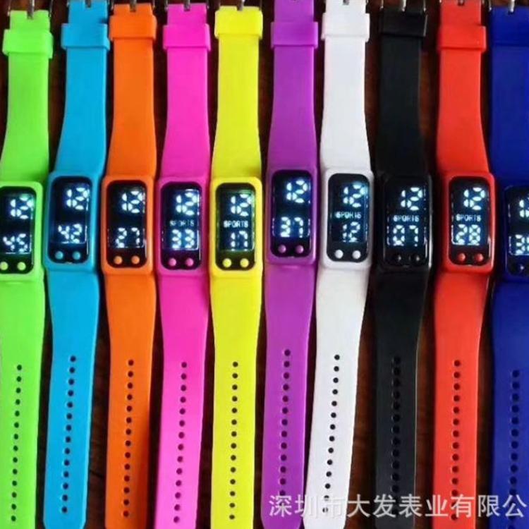 新款led廠家直批電子表運動時尚手環手表電子手表手錶手表 女士