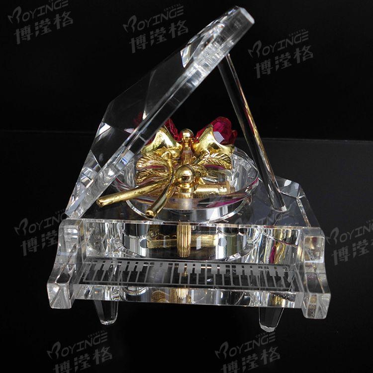 迷你钢琴木底板带玖瑰带水晶钢琴音乐盒 创意浪漫发光八音乐盒
