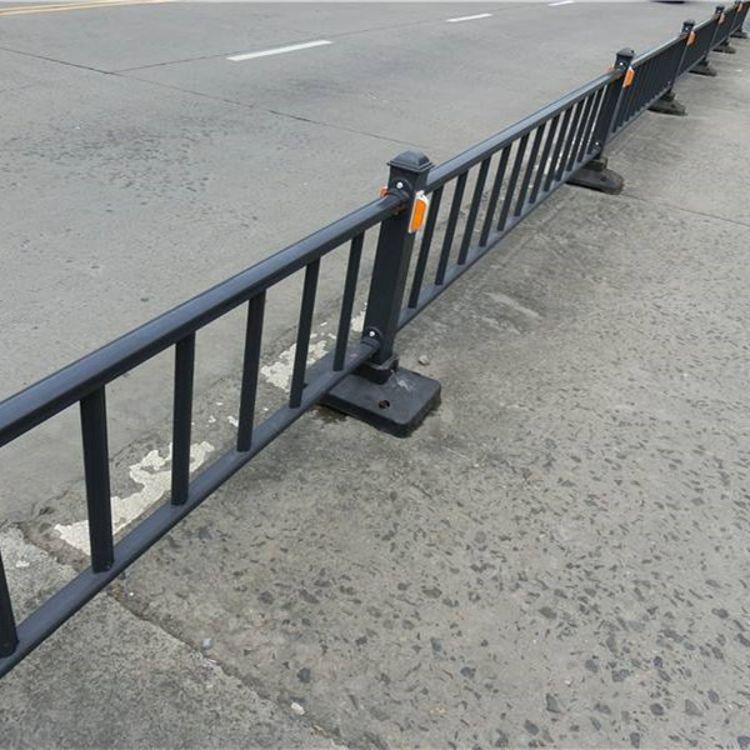 批发交通隔离护栏规格齐全城市交通隔离护栏交通隔离护栏现货供应