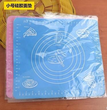 长期供应各类硅胶垫子 操作案板 26*29CM硅胶垫 硅胶烘焙工具