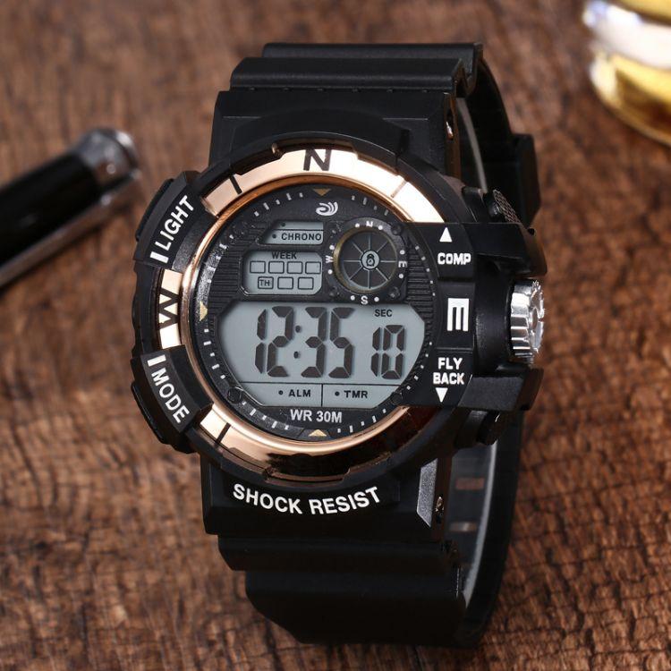 亞馬遜黑帶電鍍盒裝腕表男士女款休閑運動登山手表學生電子手表