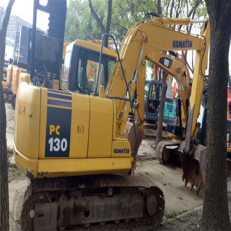 二手挖掘机  二手小松130-7挖掘机