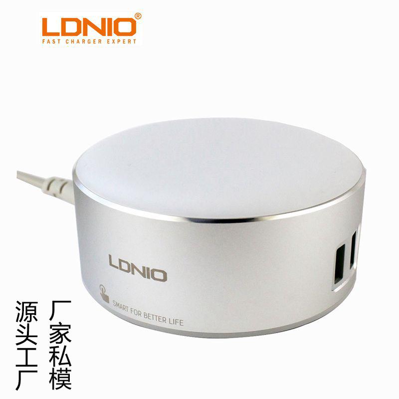 LDNIO力德诺 Ebay热销新奇特LED触摸阅读灯 双USB夜灯手机充电器