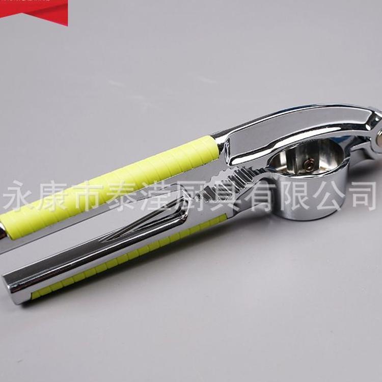 现货不锈钢压蒜器创意剥蒜厨房小工具家用多功能锌合金手动捣蒜器