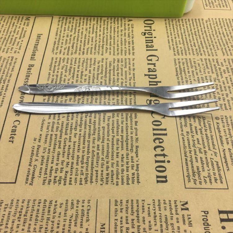 批发不锈钢餐具水果叉 优质水果签二齿叉 蛋糕月饼叉子可订制LOGO