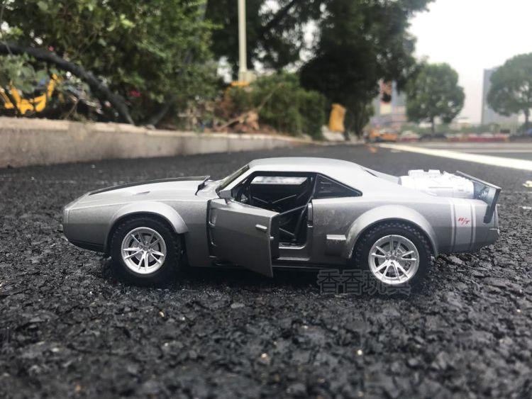 热卖1:32合金回力汽车模型儿童汽车玩具儿童新年好礼物
