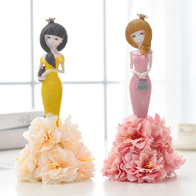创意现代家居美少女摆件 可爱绮兰姑娘树脂工艺礼品摆件现货批发