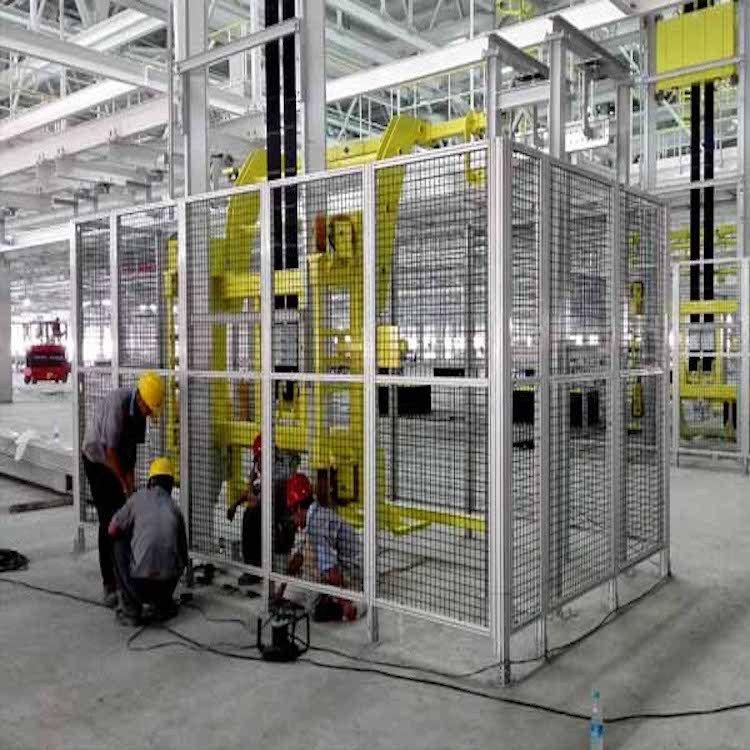 工业铝型材安全防护围栏应用于汽车生产线大型生产设备的安全防护