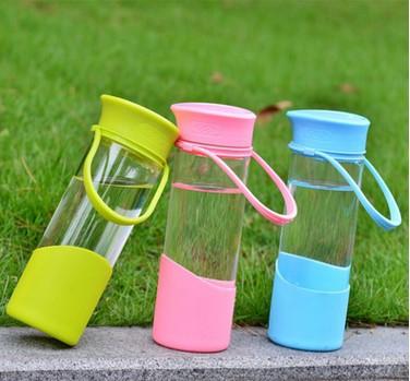 现货厂家批发高硼硅糖果玻璃杯 礼品定制硅胶套耐热礼品杯水杯