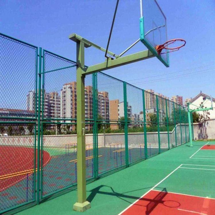 巨人供应体育场围网 球场护栏网  包塑PVC勾花体育场护栏网