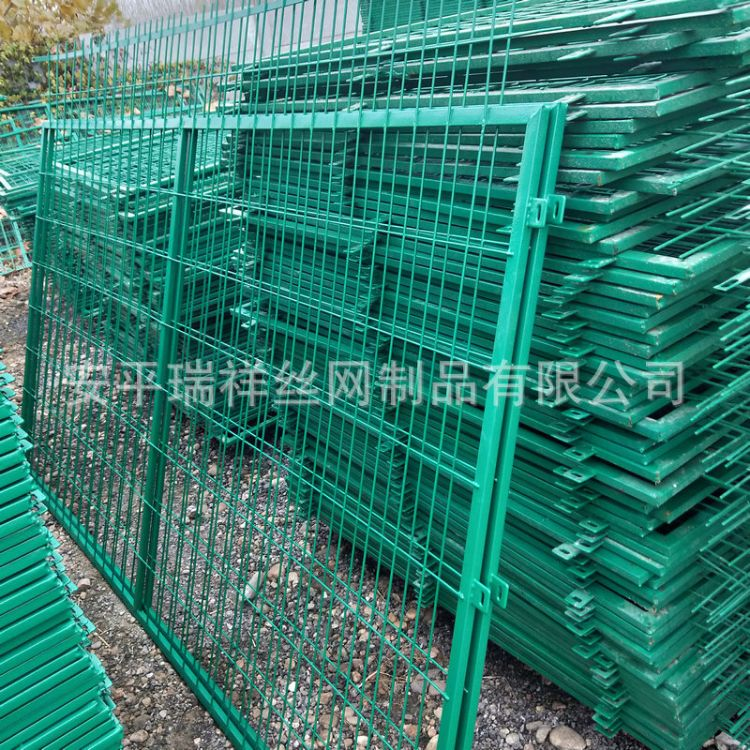 现货销售双边丝护栏网浸塑焊接铁丝网护栏高速护栏网片厂家定制L