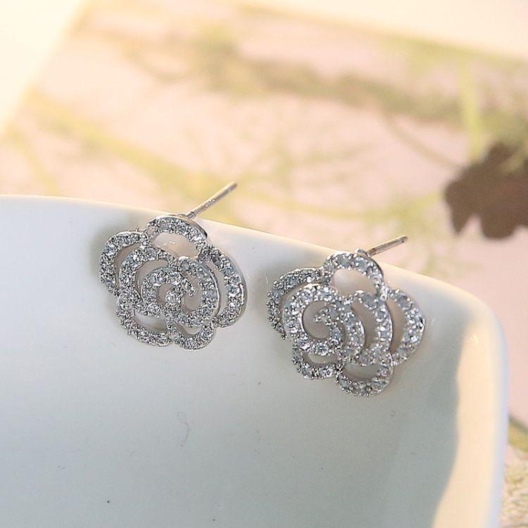 纯银镂空云朵耳钉气质韩国女甜美耳饰简约时尚花朵韩版耳环防过敏