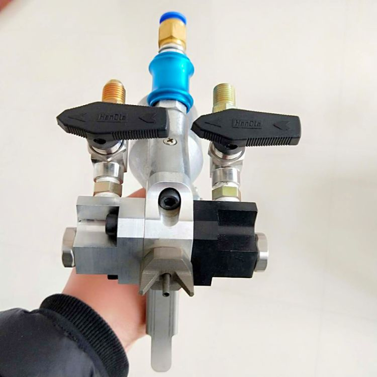 聚氨酯高压喷枪 直销聚氨酯高压喷涂设备喷枪  聚氨酯发泡枪供应