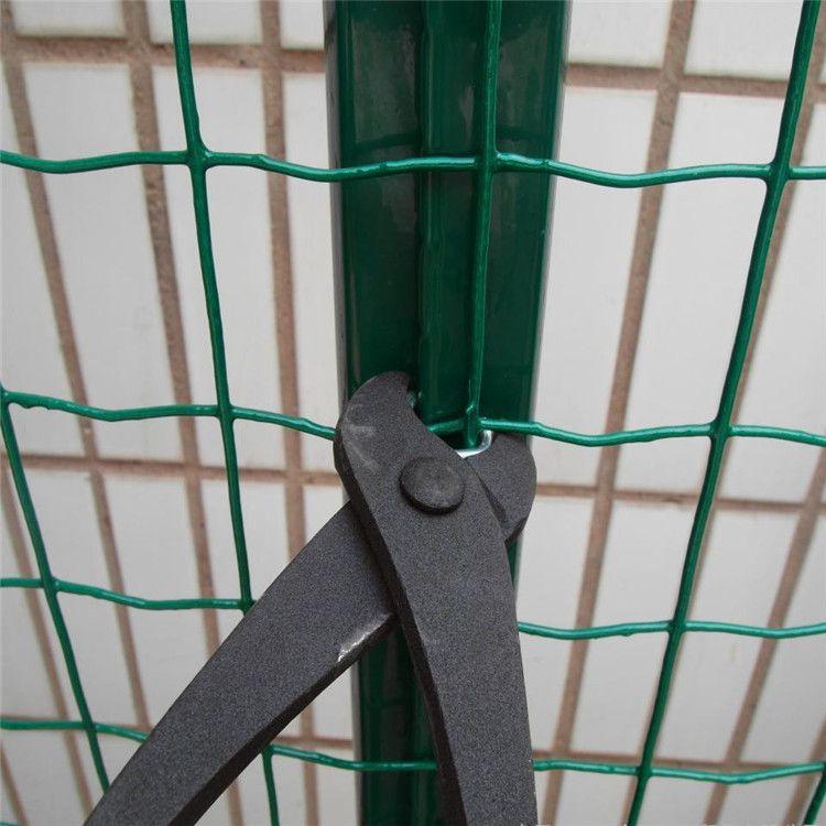 1.8米高波浪围栏铁丝围栏网PVC涂塑荷兰网浸塑荷兰网