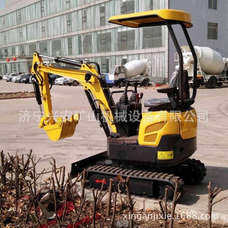 兴安销售挖掘机 小型挖掘机 1.8吨迷你挖掘机 绿化专用挖掘机