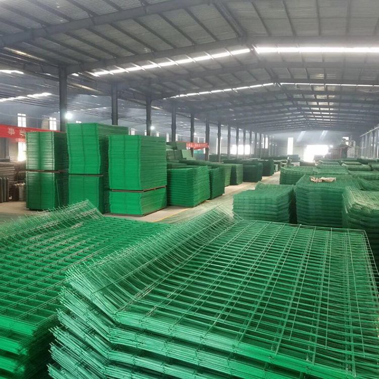 厂家直销双边护栏圈地围网高速护栏网片防护网铁丝网围栏