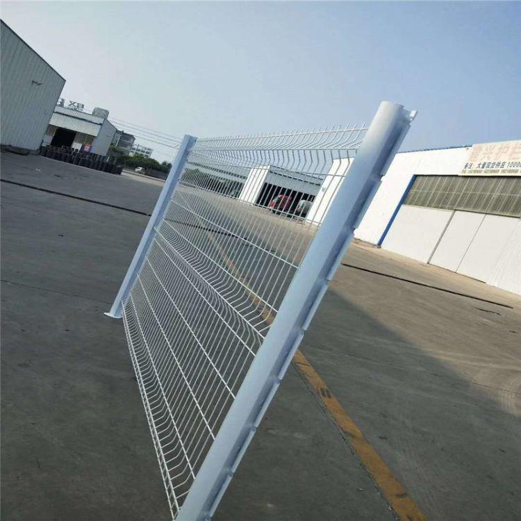 厂家生产销售折弯防盗护栏网小区园林别墅桃型柱护栏网