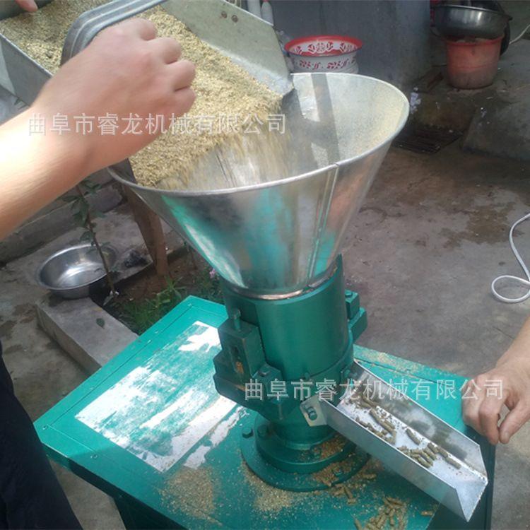 混合饲料造粒机 小型家用羊饲料颗粒机 平模饲料造粒机