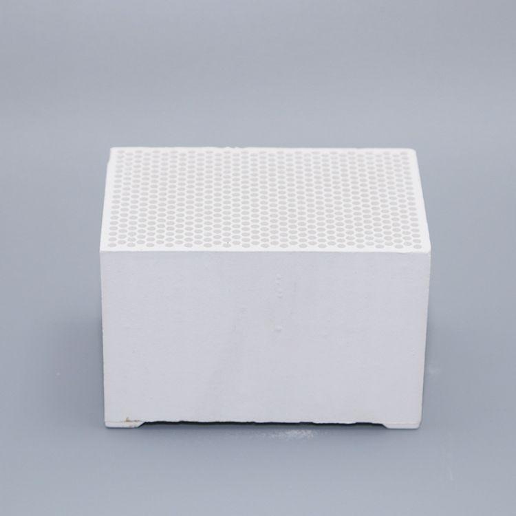 【厂家直销】供应工业电路发热瓷盘 供应陶瓷蓄热发热体 量大从优