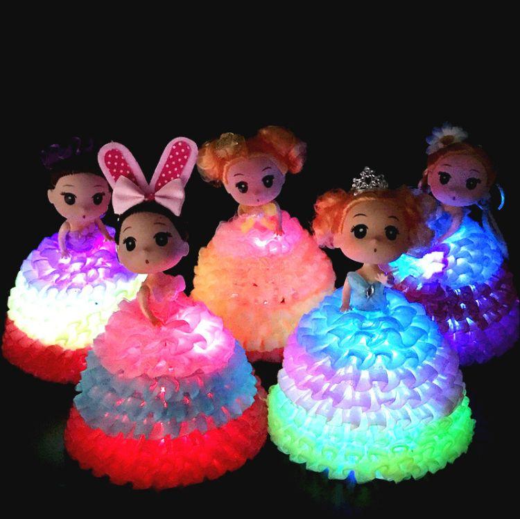 新款发光迷糊娃娃椭圆裙撑七彩闪灯娃娃玩具发光娃娃精品娃娃批发