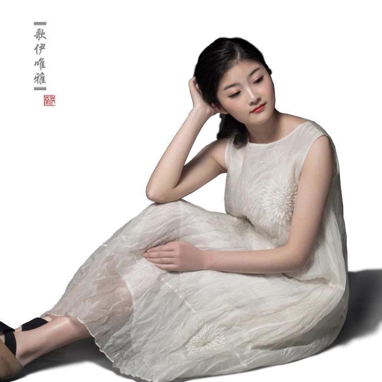 原创女装中国风桑蚕丝手工绣花气质压褶扭绉无袖连衣裙真丝连衣裙