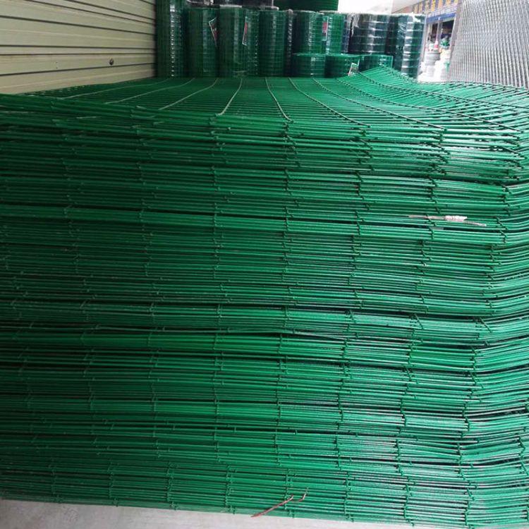 双边丝护栏网 高速护栏网片 包塑焊接铁丝网PVC焊接网浸塑焊接网