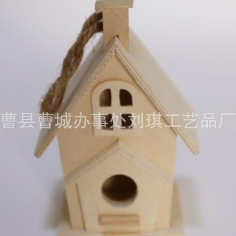 供应木质鸟窝  彩绘鸟屋 烟囱式鸟屋 创意鸟房