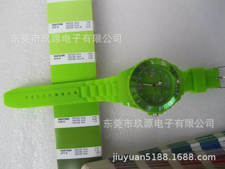手表厂家源头工厂定制韩版学生硅胶石英手表OEM定制LOGO