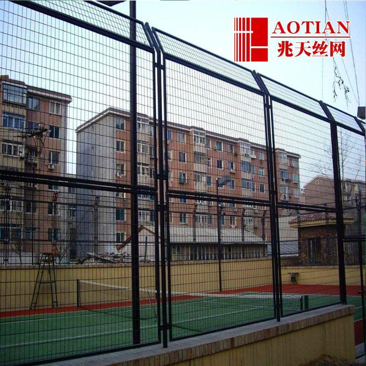 体育场围栏 足球场铁丝网 运动场围网 定制PVC包塑丝勾花网
